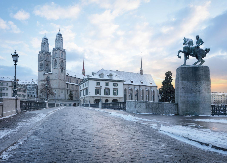 Zürcher Altstadt im Winter. Thema: Weihnachtszeit in Zürich