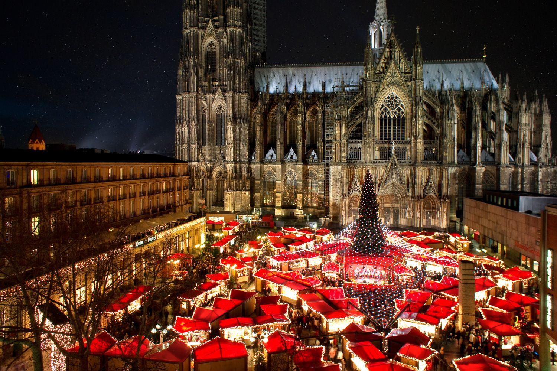 Weihnachtsmarkt am Kölner Dom. Thema: Weihnachtsmärkte